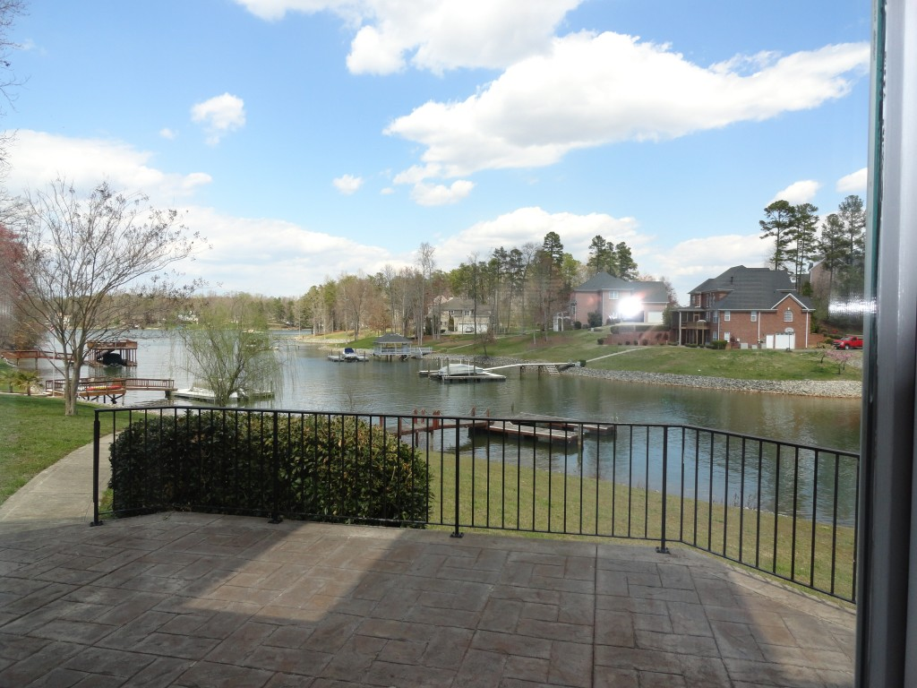 Mooresville waterfront foreclosure